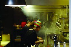 Ox Wine&Burger Bar'ın açık mutfağı