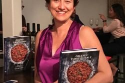 """Özlem's Turkish Table""  yemek kitabına Gourmand World Cookbook ödülü!"